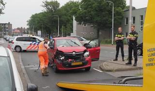 Automobilist in de remmen voor overstekende vrouw: kop-staartbotsing in IJmuiden