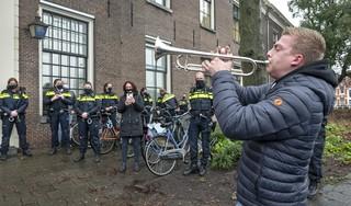 Een serenade uit dankbaarheid voor de Haarlemse politie [video]