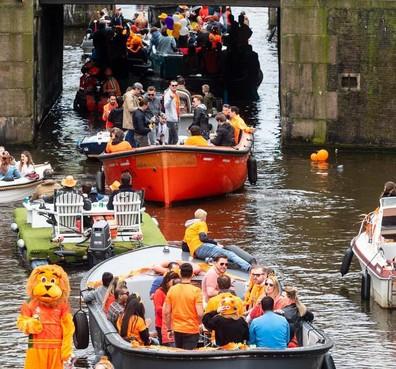Burgemeester Amsterdam wil geen alcoholverbod op de gracht
