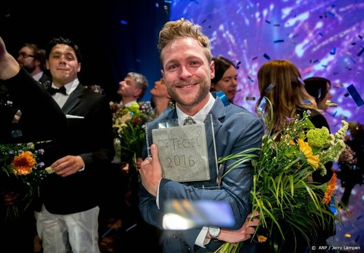 Thomas Rueb wint Brusseprijs met boek Laura H.