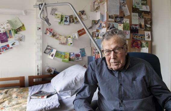 Bergen post voor zwaaiende Jan Gladon (91) uit Vijfhuizen, meer kaartjes zijn van harte welkom