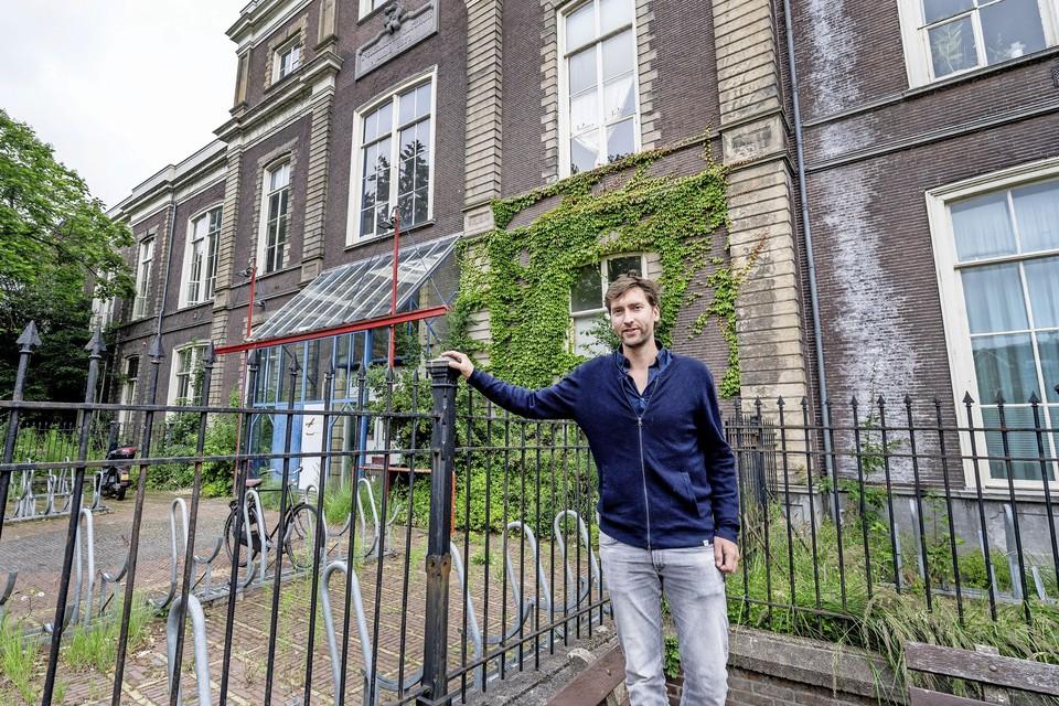 De architect vindt het prima dat in de Egelantier een hotel komt. ,,Haarlem moet meer zijn dan alleen maar wonen, hoe onpopulair dat ook klinkt.''