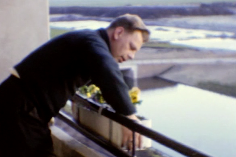 Inrichten van je nieuwe flat in Schalkwijk: bloembakken aan het balkon.