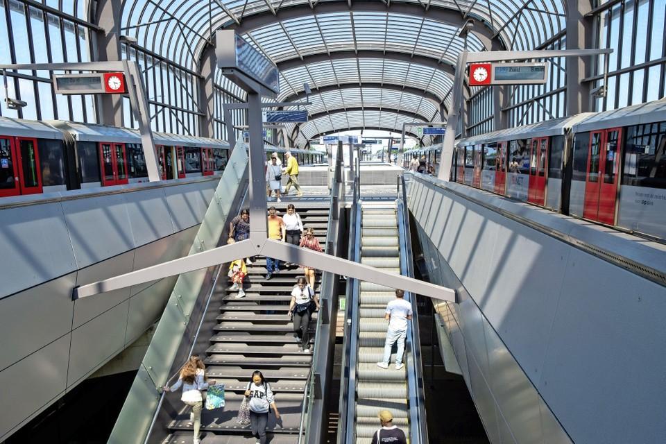 Met de aanleg van de Noord-Zuidlijn breidde de stad Amsterdam haar metrowerk uit naar Noord.