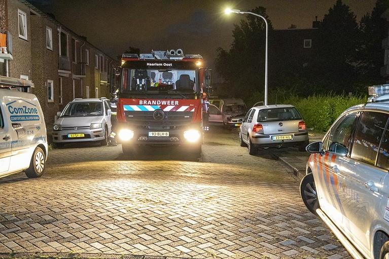 Weer voertuigbrand in Haarlem; bestelbus vat vlam op J.J. Hamelinkstraat