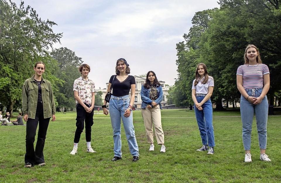 Zes BLM jongeren van het Rudolf Steiner College.