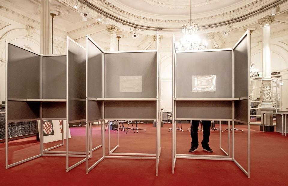 In de Spiegelzaal van het Concertgebouw kun je stemmen.