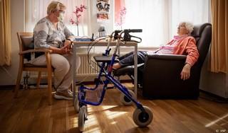 Senioren willen strengere controle op naleving coronaregels