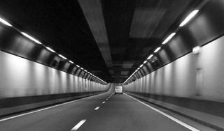 Velsertunnel na twee uur weer open in de richting van Beverwijk [update]
