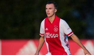 Youri Regeer dicht bij realiseren rood-witte jongensdroom: 'Ik was gek van het Ajax met Maarten Stekelenburg, nu train ik met hem'