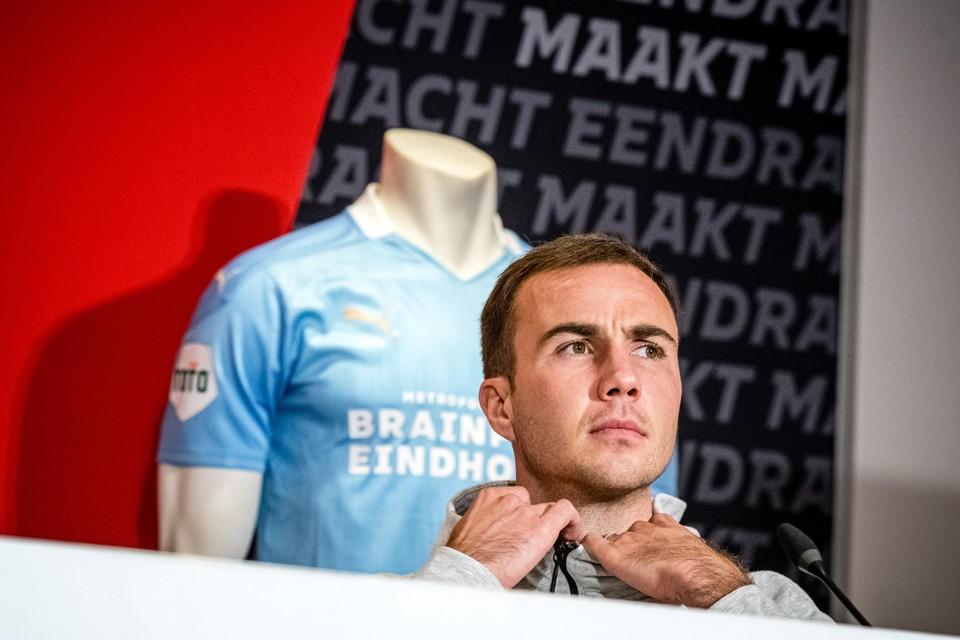 Op de laatste dag van de transfertermijn haalde PSV nog Mario Götze binnen.