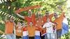 De zenuwen gieren rond in de meest oranje versierde straat van Hilversum: 'Volgend jaar gaan we voor 30 kilometer vlaggen'