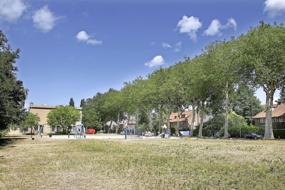 Het speelveld aan de Jan ter Gouwweg waar 36 woningen komen.